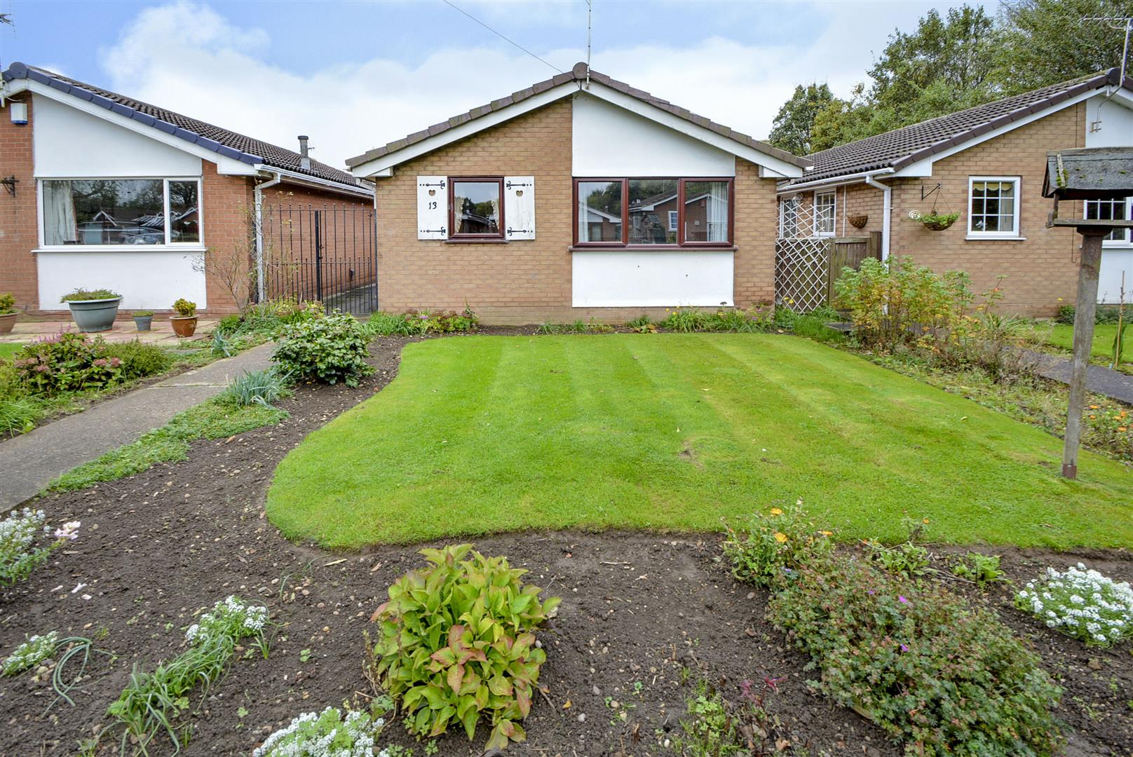 2 Bedrooms Detached Bungalow for sale in Brendon Way, Long Eaton